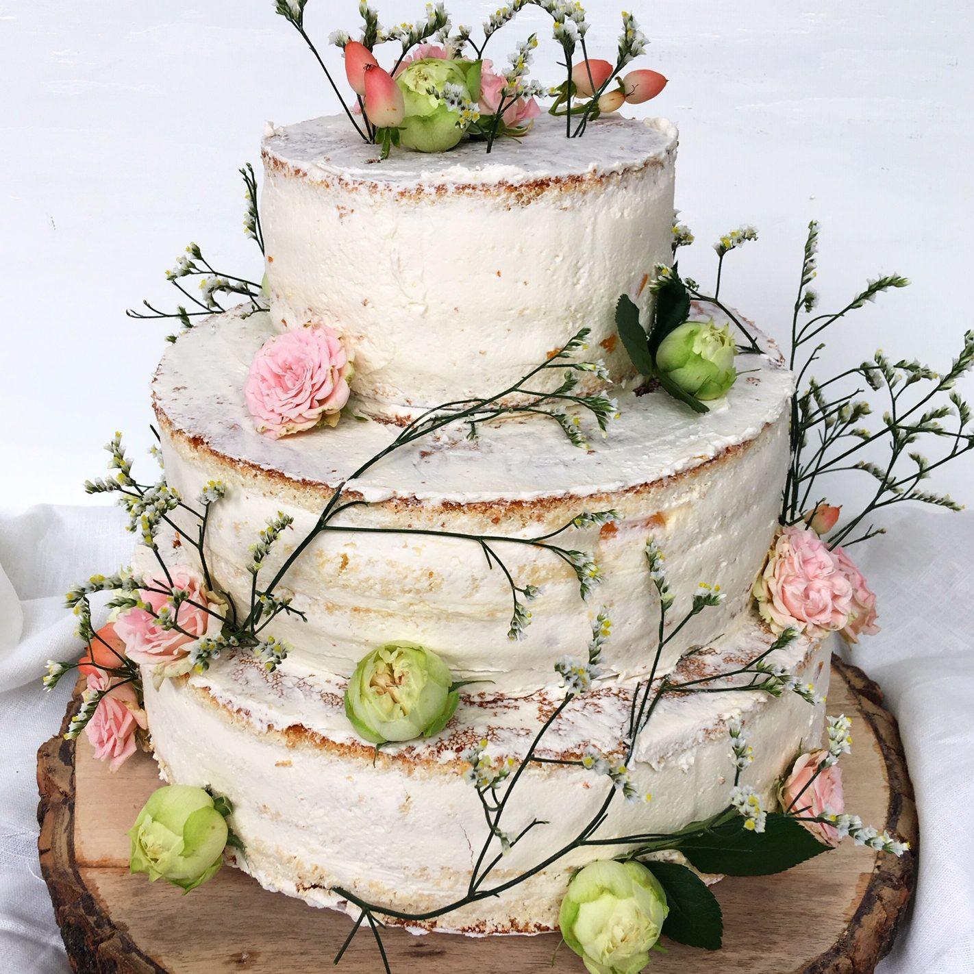 naded-bruidstaart-bloemen-e1568029886927
